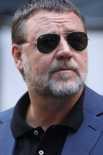 Picture of Russel Crowe.