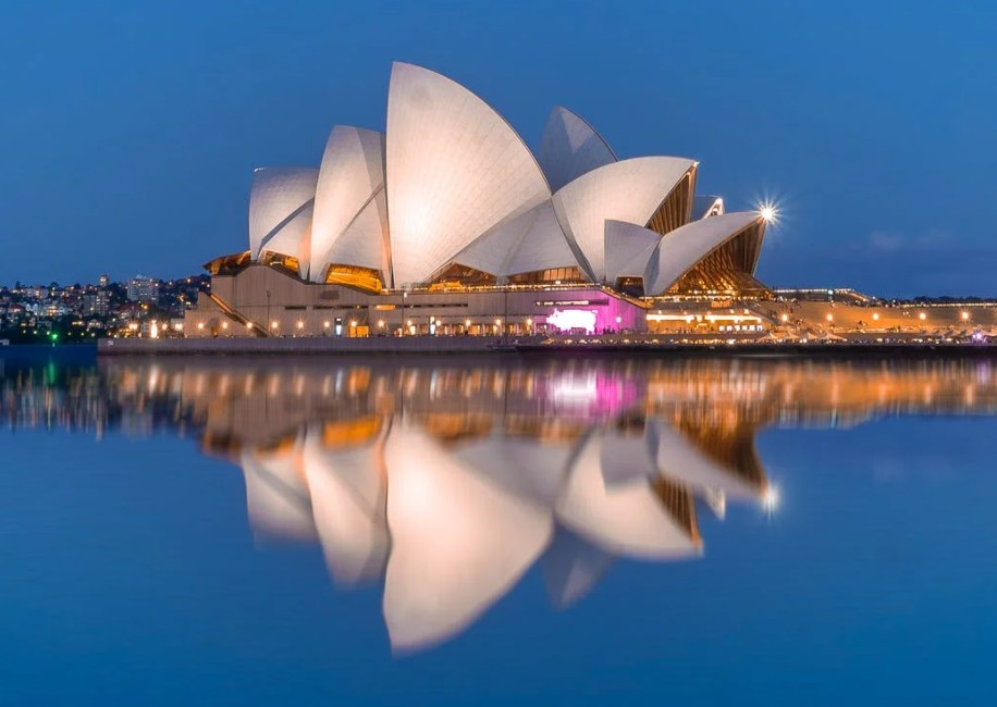Sydney's iconic opera house in the backdrop of the majestic ocean