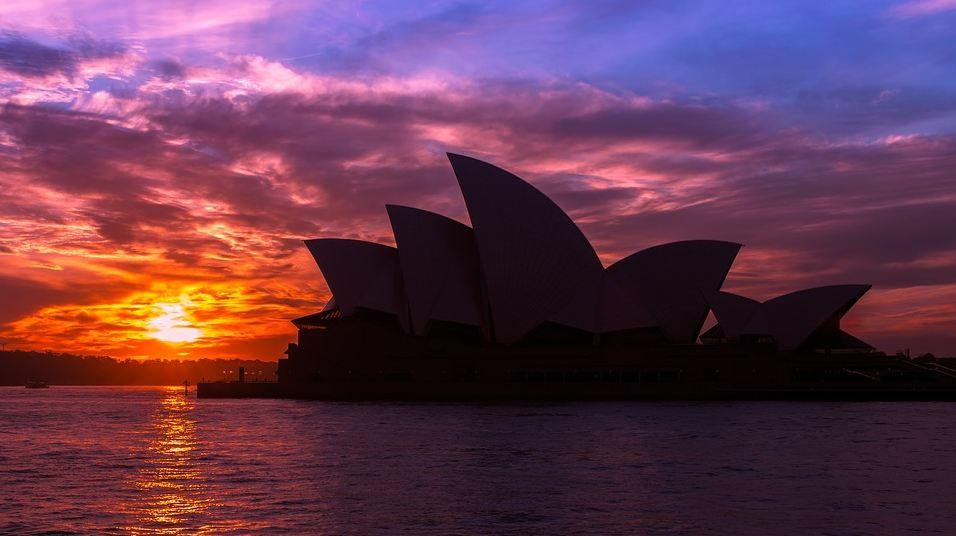 Silhouette of Sydney Opera House